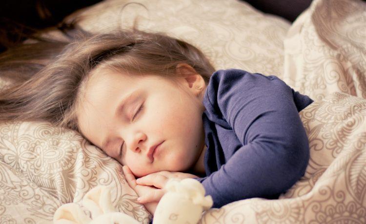 A quelle heure coucher son enfant ? Les réponses selon son âge